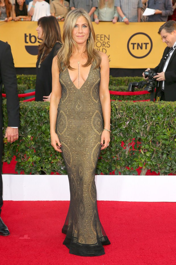 jennifer-aniston-sag-awards-red-carpet-2015