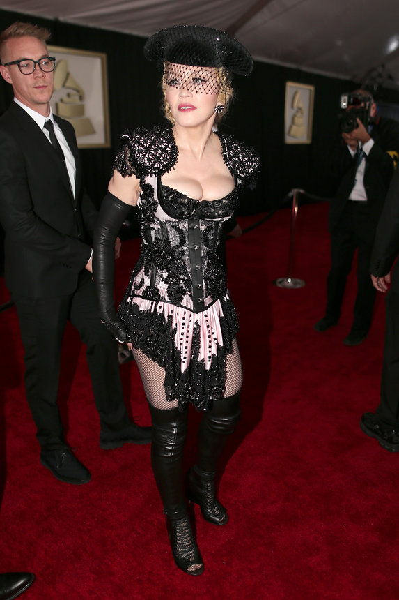 madonna-grammy-2015-red-carpet