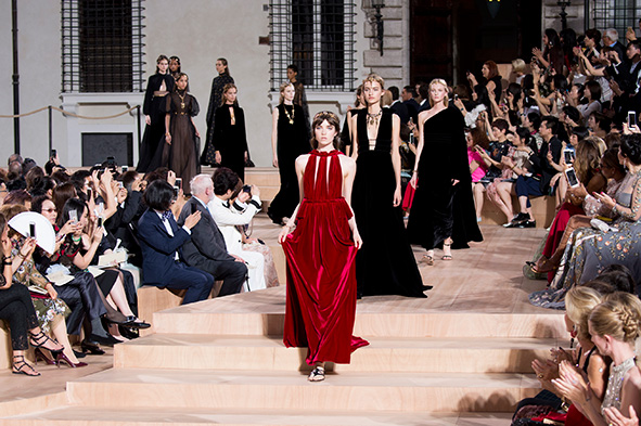 Valentino-AW15-Couture-Dispatches-finale01